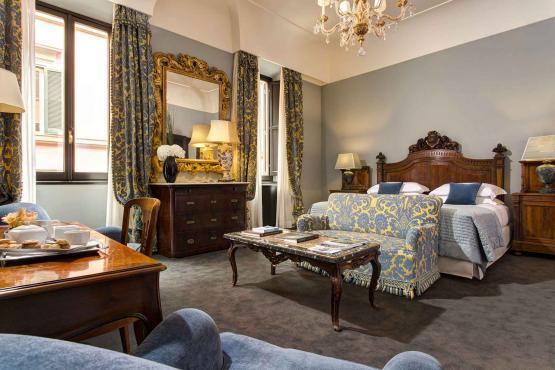Luxury-hotel-in-central-Rome-Starhotels-Hotel-d-Inghilterra-Roma-Junior-Suite-1.d0705a7d05e6d60df17d026d38effead